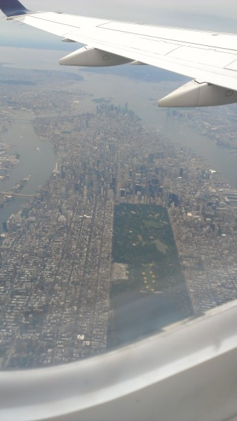 Aerial view of Manhattan (shh... don't tell the pilot about this)