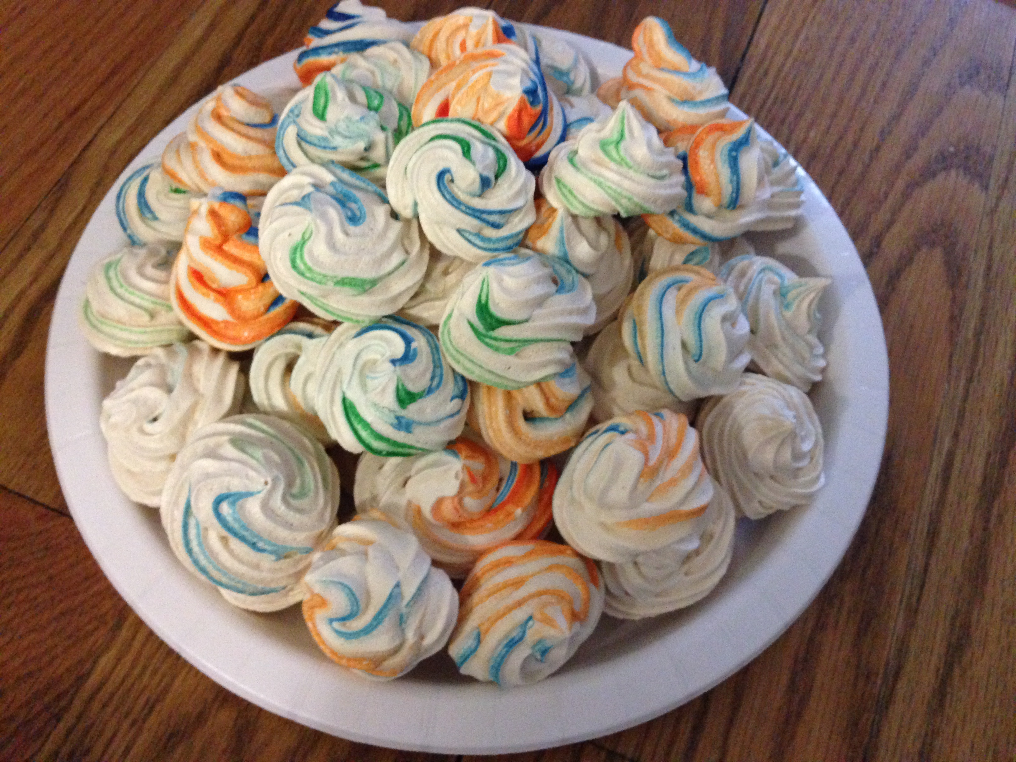 know I let you guys down when I made Mini Meringue Swirls last time ...